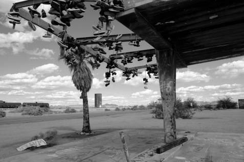 1800 15 Gas Station BW 150318_DSF3335