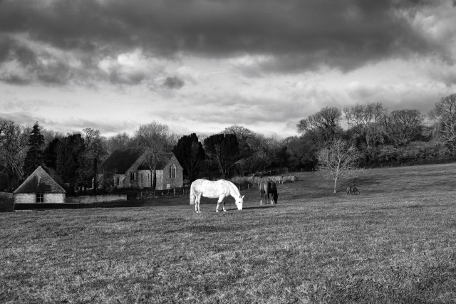 1800 Three Horses and a Church 251218 DSCF7002