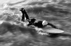 1800 Surfer BW DSC_3368