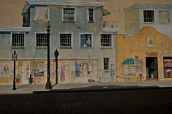 An intriguing wall mural in Kissimmee